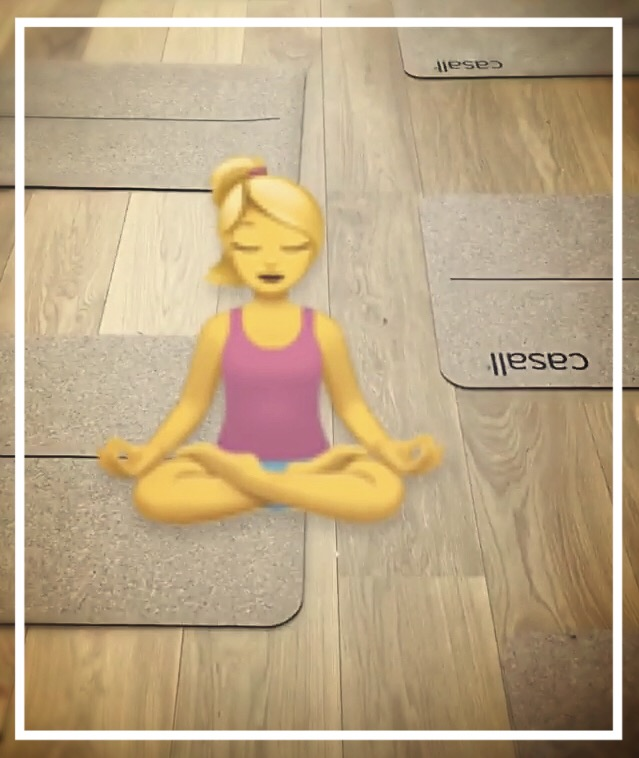 Nainenyliviiskyt -jooga-rauha